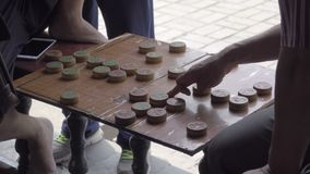 Xiangqi παιχνιδιών που παίζεται από τα κινεζικά άτομα φιλμ μικρού μήκους