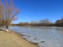 Xiaoqing River som har varit djupfryst fotografering för bildbyråer