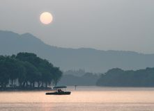 Xihu Lake på solnedgången, Hangzhou, Kina Arkivbilder