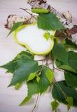 Xilitol - substituto del azúcar Azúcar del abedul en el fondo de madera blanco Imágenes de archivo libres de regalías