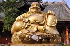 xing菩萨瓷长的pengzhou供以座位的寺庙 库存照片