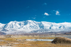 XINJIANG, CHINA - Mei 21 2015: Karakul Meer een beroemd landschap stock foto