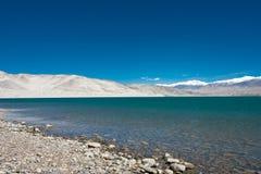 XINJIANG, CHINA - Mei 22 2015: Meermening van Karakoram-Weg stock afbeeldingen