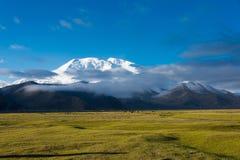 XINJIANG, CHINA - Mei 21 2015: Mustagh Ata Mountain bij Karakul L stock foto's