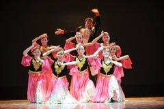 Xinjiang etnische dans: om uw hijab te veroorzaken Stock Foto
