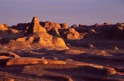 Xinjiang-Geist-Stadt bei Sonnenuntergang Stockfotografie