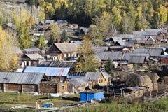 Xinjiang, porcelana: vila do baihaba fotografia de stock royalty free