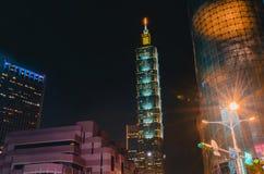 Xinyidistrict en Taipeh 101 Wolkenkrabber, werden het gebouw officieel geclassificeerd als wereld het langst in 2004 tot 2010 stock fotografie