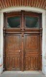 XIX век спортзала старых деревянных высекаенных женщин двери, Yelets, r Стоковые Изображения