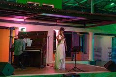 Xixel Langa führt Live bei Centro Cultural Franco-Moçamb durch Lizenzfreie Stockfotografie