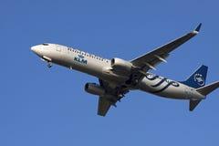 XL喷气机飞机着陆 免版税库存图片