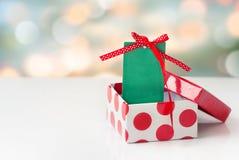 Xmas圣诞节假日在箱子拷贝空间的背景标记 免版税库存照片