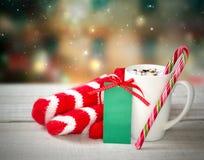 Xmas圣诞节假日晚上可可粉杯子静物画卡片 库存图片