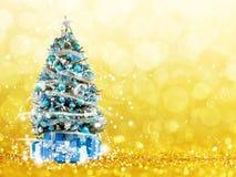 从xmas的圣诞树点燃(与光的戏剧) 免版税图库摄影