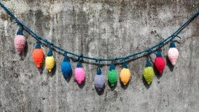 Xmas装饰品,被编织的圣诞灯 免版税图库摄影