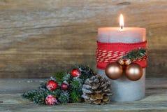 xmas подарка украшения рождества свечки предпосылки золотистый Стоковые Фотографии RF