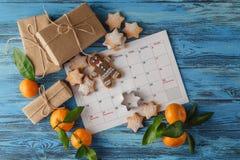 Xmas calendar ON BLUE TABLE Royalty Free Stock Photography