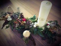 xmas för gåva för garnering för bakgrundsstearinljusjul guld- Royaltyfri Foto