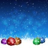 Xmas piłki na śniegu ilustracja wektor