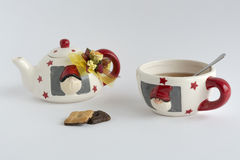 Xmas teacup z ciastkami Zdjęcia Stock