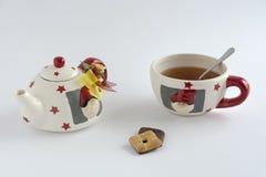 Xmas teacup z ciastkami Obrazy Royalty Free