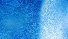 Xmas-vinterbakgrund Djupfryst sikt för fönster- och isblommamakro Selektivt fokusera royaltyfri bild