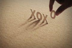XOXO ВЫ деревянное слово на обжатой доске Стоковое фото RF