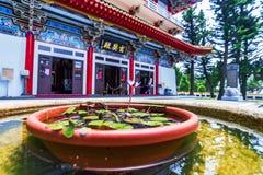 Xuanguang tempel med blomman Royaltyfri Foto