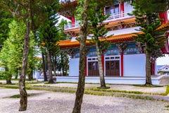 Xuanguang tempel med naturen Royaltyfri Bild