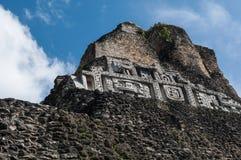 Xunantunich świątyni Majski zakończenie Up fryz Obraz Royalty Free