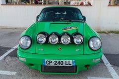 XV集会肋前缘Brava历史的赛车在一个小镇Palamos在卡塔龙尼亚 04 19 2018年西班牙,镇Palamos 免版税图库摄影