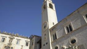 XV secolo del campanile in Ragusa stock footage