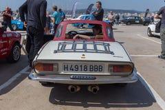XV Zlotnego Costa Brava Historyczna samochodowa rasa w miasteczku Palamos w Catalonia 04 20 2018 Hiszpania, grodzki Palamos Zdjęcie Stock