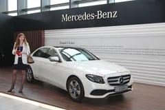 XX forum économique international de St Petersbourg (SPIEF Russie 2016) le support du fabricant de voiture allemand Mercedes Photos stock