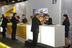 XX het internationale economische forum van Heilige Petersburg (SPIEF 2016 Rusland) tribune EY Royalty-vrije Stock Foto