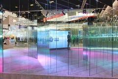 XX St Petersburg internationellt ekonomiskt forum (SPIEF Ryssland 2016) Glass ställning av den projektLakhta mitten Royaltyfri Foto