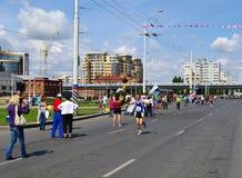 XXII西伯利亚国际马拉松,鄂木斯克,俄罗斯 06 08 2011年 免版税库存照片
