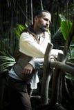 Mężczyzna w dzikim lesie Fotografia Royalty Free