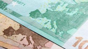 50 y 100 billetes de banco euro Fotos de archivo libres de regalías