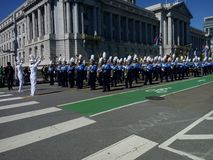 Y la banda jugó encendido en San Francisco imagenes de archivo