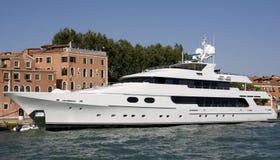 Yacht Photos libres de droits