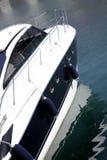 Yacht in acqua Immagini Stock Libere da Diritti