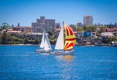 Yacht ad una spiaggia di quaranta canestri, Sydney l'australia fotografia stock