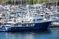 Yacht al porticciolo Immagini Stock