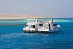 Yacht all'isola di Giftin, Mar Rosso Fotografia Stock Libera da Diritti