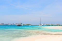 Yacht alla spiaggia, Venezuela immagini stock libere da diritti