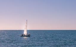 Yacht allein Stockfotografie