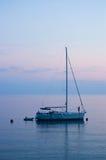 Yacht ancré Photographie stock libre de droits