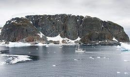 Yacht in Antarktik Stockbild