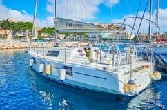 Yacht attraccati nel porto di La Valletta, Malta immagini stock